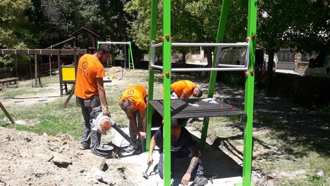 Construcción Parque Infantil con Tirolina